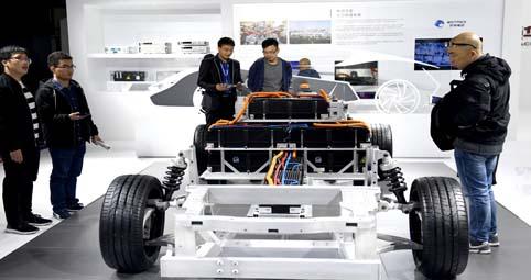 120余辆新能源汽车,让展厅内充满科技感.